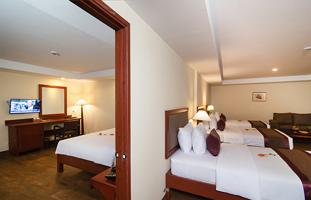 Booking Deluxe Family Suite Connecting Room Hotel De La Renaissance